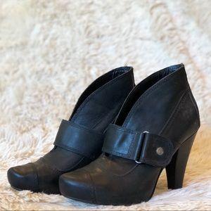Seychelles Black Leather High Heel Booties